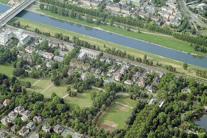 Oststadt von Mannheim in direkter Nachbarschaft des Luisenparks sowie des Neckars